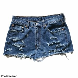 Levi's Destroyed Cutoff Jean Shorts Size 32